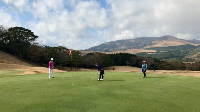 GEN-TENゴルフコースレッスン稲取GCパッティングの写真