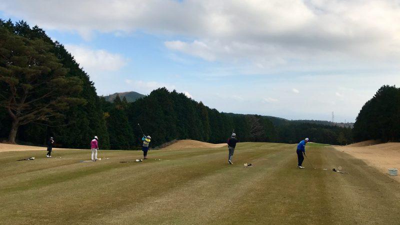 GEN-TENゴルフコースレッスン稲取GC定点練習アイアンショットの写真