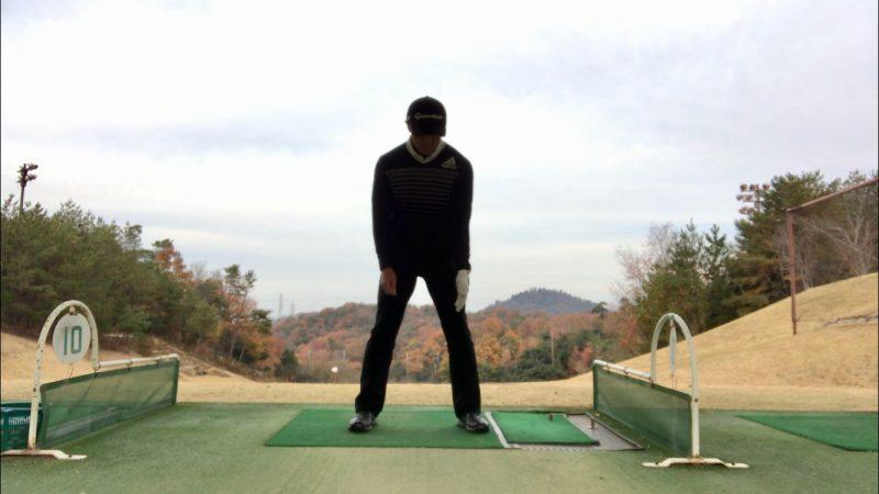GEN-TENゴルフコースレッスンラグハーフウェイダウンの左腕のポジションの写真