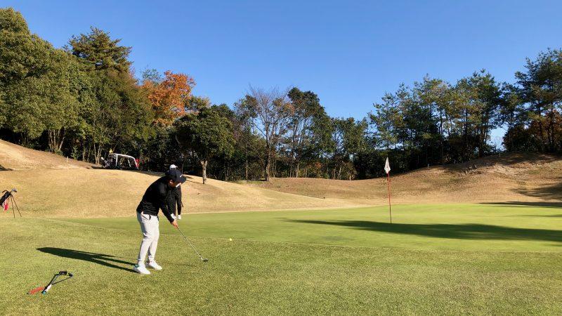 GEN-TENゴルフコースレッスン小萱チェリークリークCCラウンドアプローチの写真