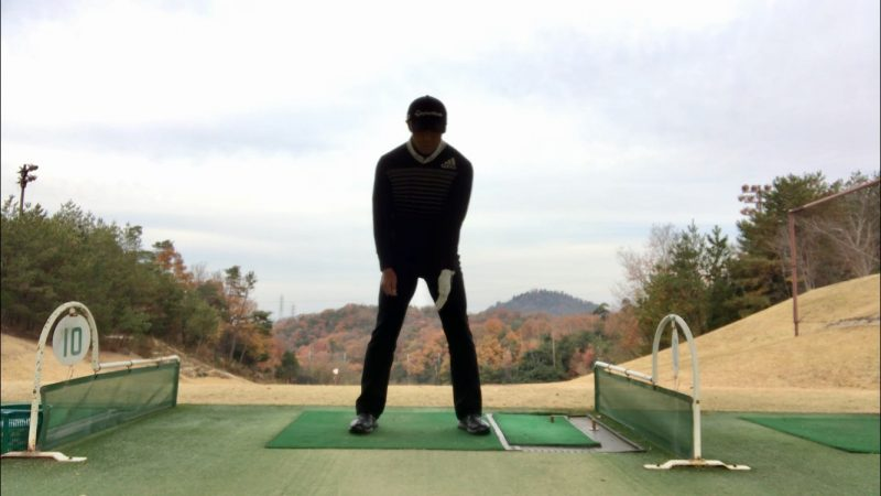 GEN-TENゴルフコースレッスンラグアドレスの左腕のポジションの写真