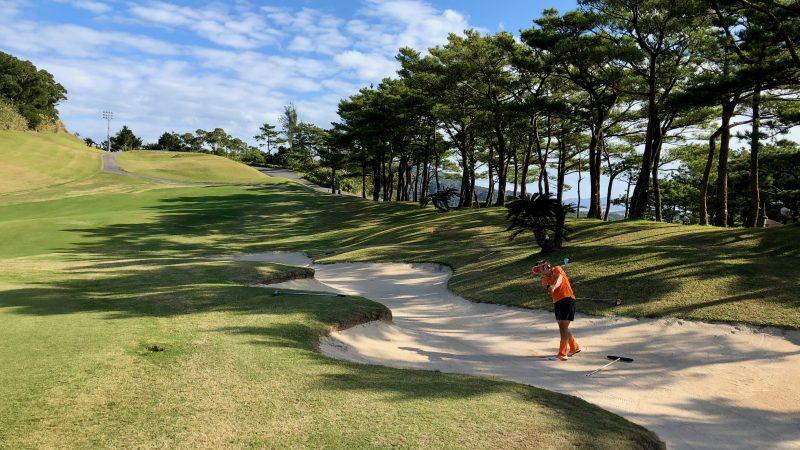GEN-TENゴルフコースレッスン沖縄キャンプベルビーチGCバンカーショットの写真