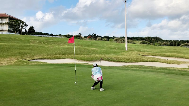 GEN-TENゴルフコースレッスン沖縄キャンプザ・サザンリンクスGCショートパットの写真