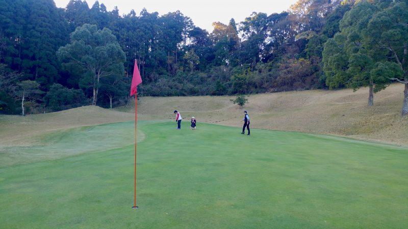 GEN-TENゴルフコースレッスンショートゲームロングパットの写真
