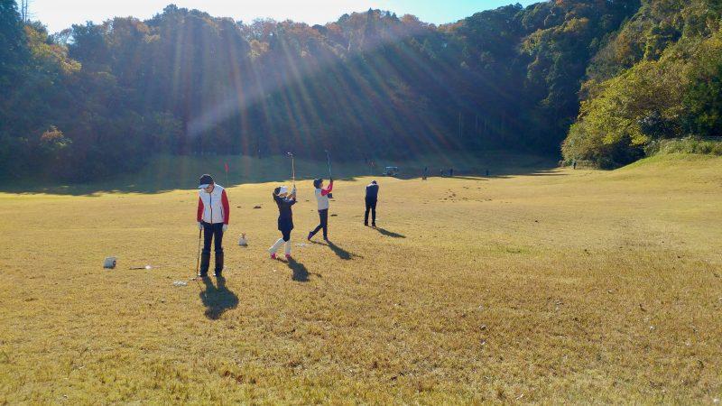 GEN-TENゴルフコースレッスンショートゲーム30yアプローチ正面からの写真