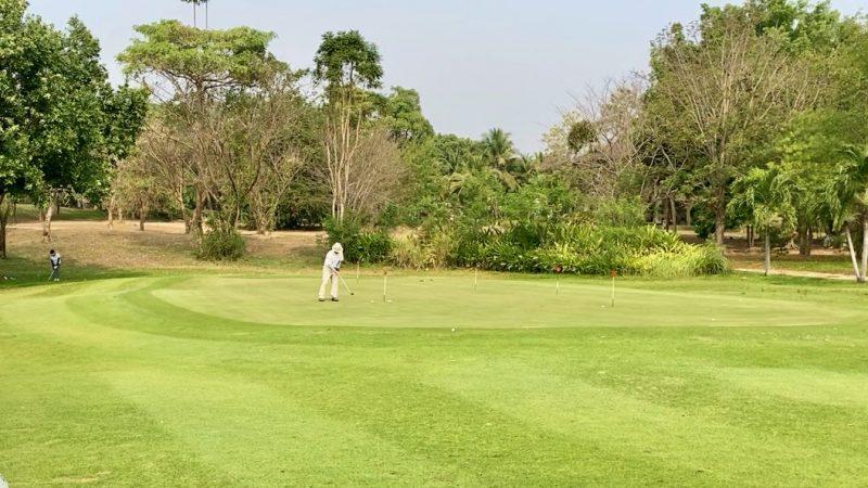 GEN-TENゴルフコースレッスンスプリングフィールドロイヤルCCパッティンググリーンの写真