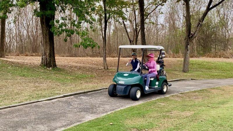 GEN-TENゴルフコースレッスンスプリングフィールドロイヤルCCカートの写真