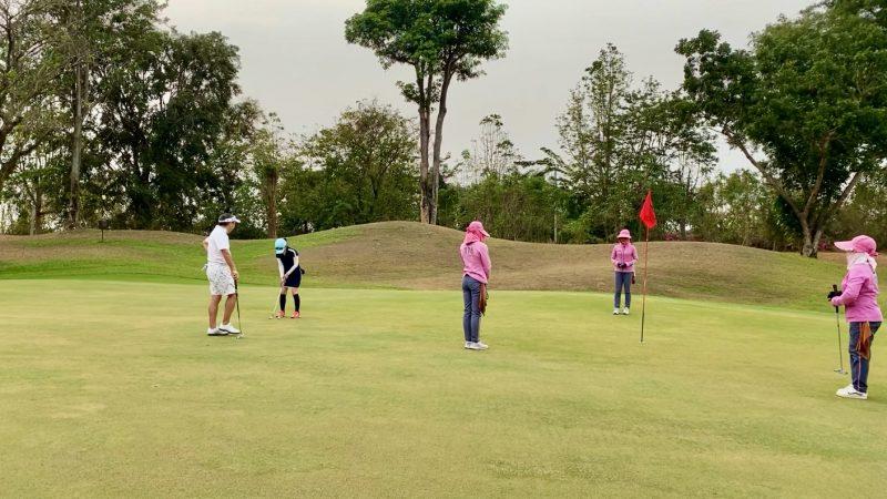 GEN-TENゴルフコースレッスンスプリングフィールドロイヤルCCパッティングの写真