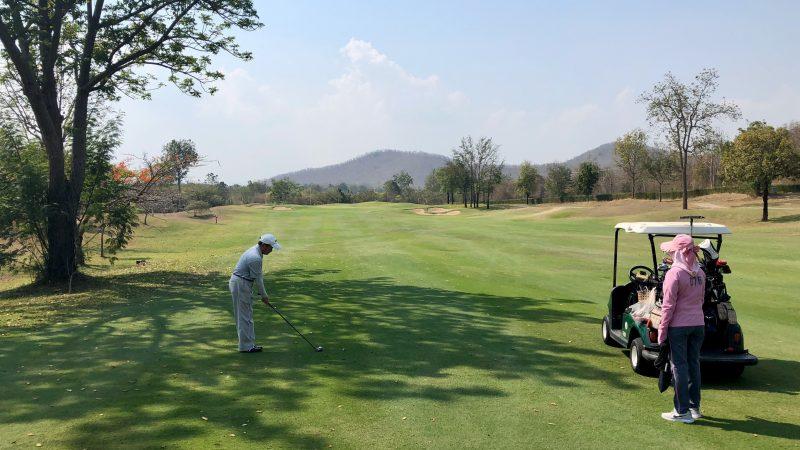 GEN-TENゴルフコースレッスンスプリングフィールドロイヤルCCフェアウェイウッドショットの写真