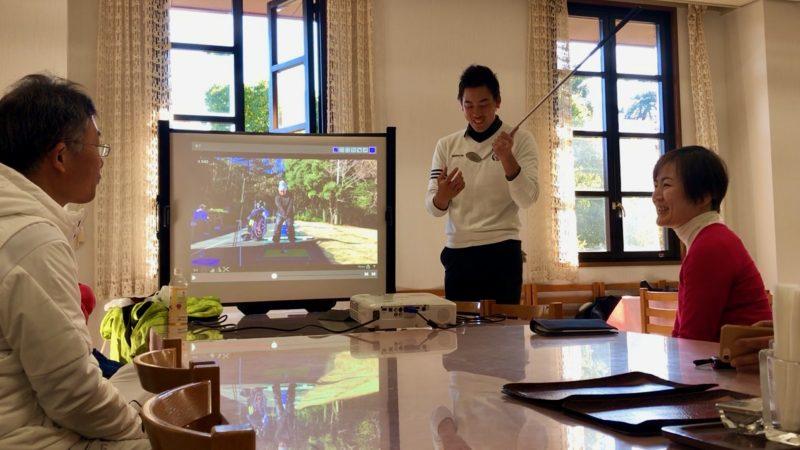 GEN-TENゴルフコースレッスンヒント講義クラブの説明の写真
