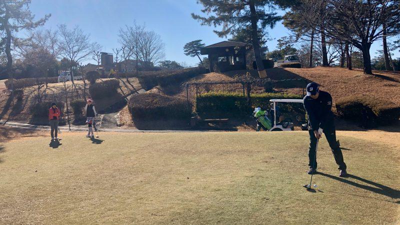 GEN-TENゴルフコースレッスンビギナーレッスンティショットの写真