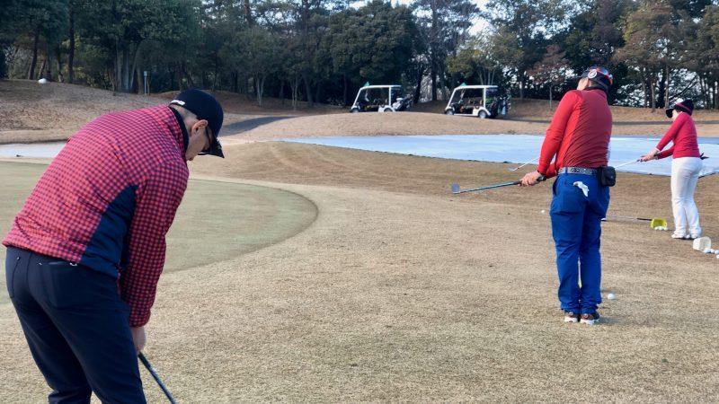 GEN-TENゴルフコースレッスンヒント定点練習アプローチ背面からの写真
