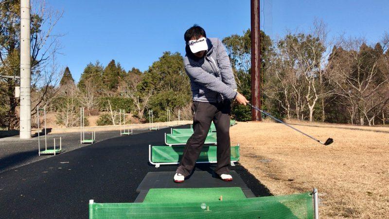 GEN-TENゴルフコースレッスンスライス矯正正しいインパクト直後の写真