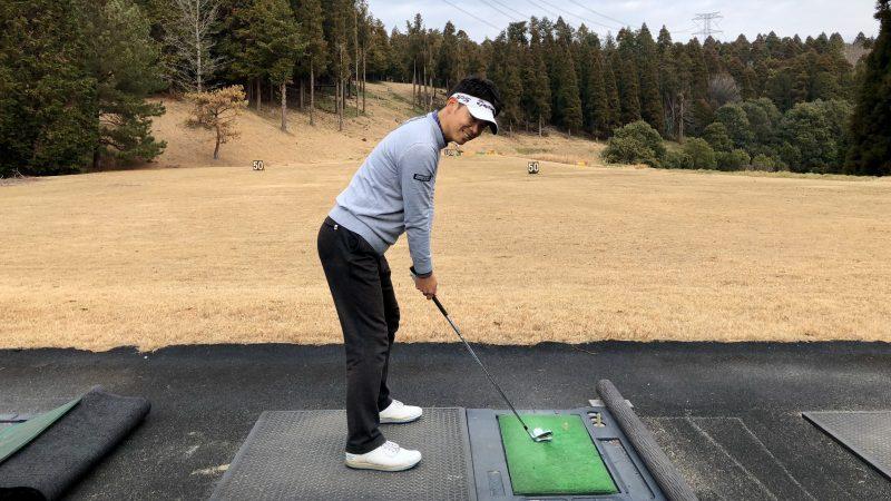 GEN-TENゴルフコースレッスン重心位置アドレスの写真