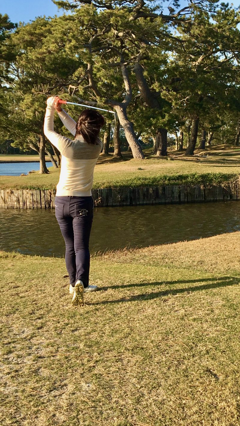 GEN-TENゴルフコースレッスンホールインワンフィニッシュの写真