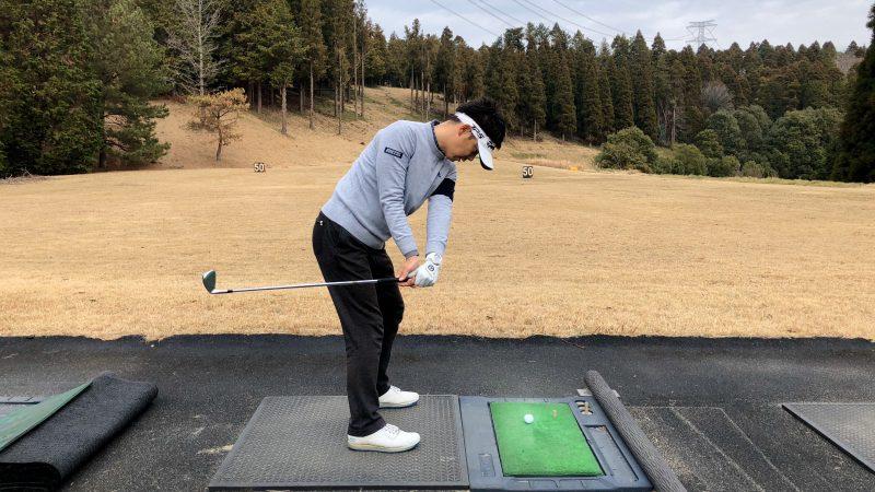 GEN-TENゴルフコースレッスン重心位置インサイドバックの写真