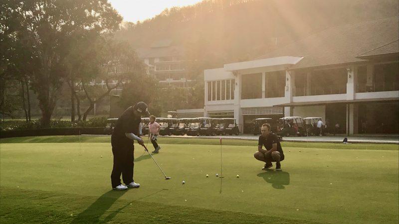 GEN-TENゴルフコースレッスンアルパインGRパット練習の写真