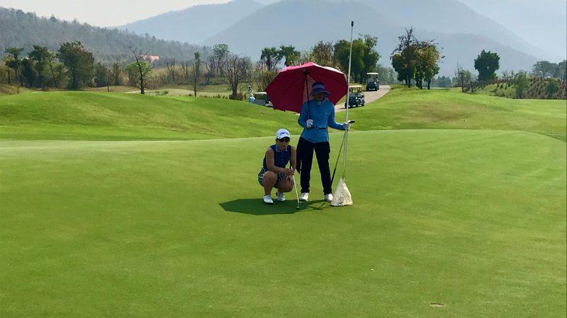 GEN-TENゴルフコースレッスンアルパインGRパットライン読みの写真