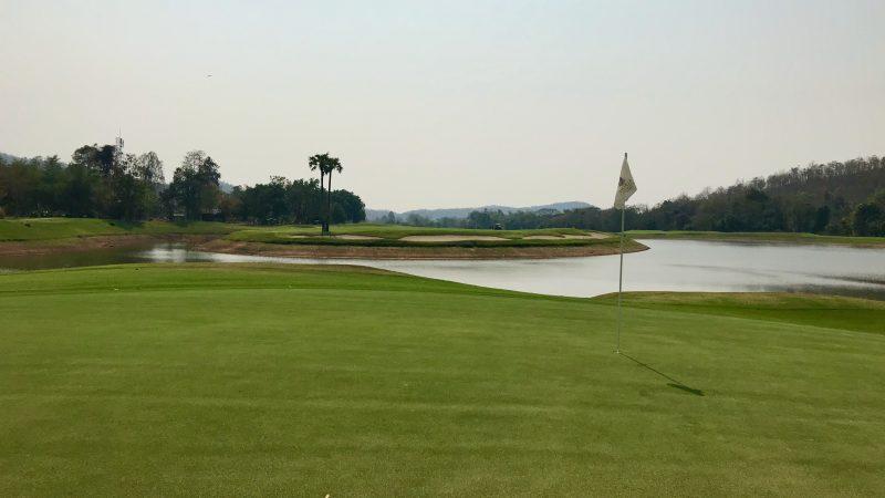 GEN-TENゴルフコースレッスンアルパインGRグリーンからいけとフェアウェイの写真