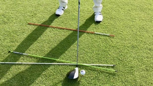 GEN-TENゴルフコースレッスンクローズスタンス上からの写真