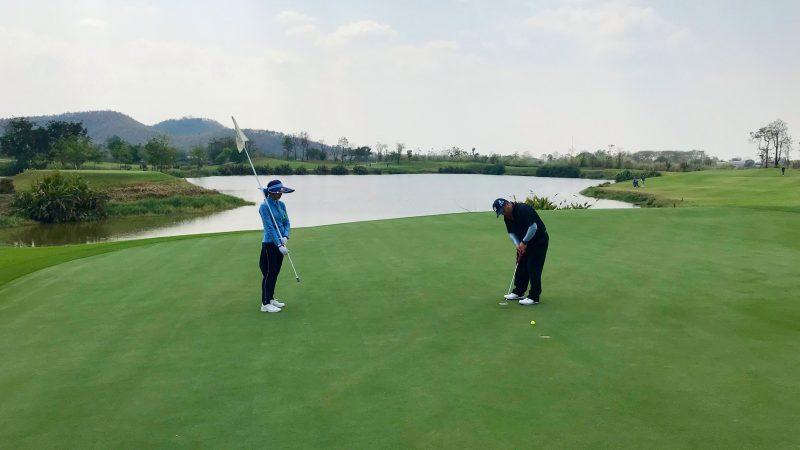 GEN-TENゴルフコースレッスンアルパインGRパッティングの写真
